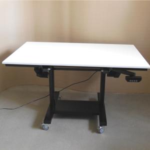 pied de table à digitaliser